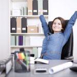 Apprendre les bonnes positions à adopter au travail en suivant une formation gestes et postures